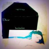 Diorの可愛い封筒に入った案内→